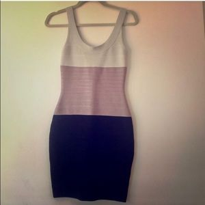 Authentic Herve Leger sz medium. Perfect condition